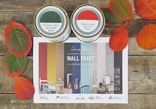 Väggfärg Annie Sloan Wall Paint. Måla väggar snabbt och enkelt.