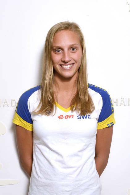 Bröstsimmerskan Jessica Eriksson simmar vidare i dagenms finalsimningar. Närmast semifinal på 50m bröstsim.