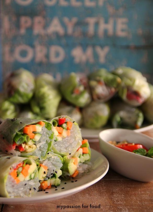 Vietnamese Fresh Summer Rolls with Hoisin Sauce