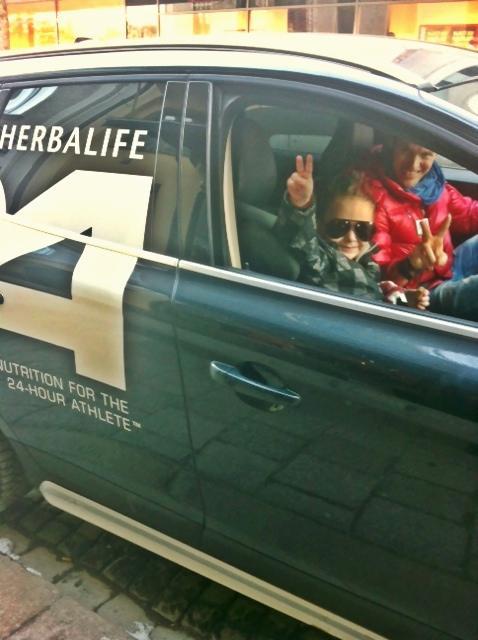 I februari fick vi Herbalife bilen fixad...wow nu var det på riktigt!