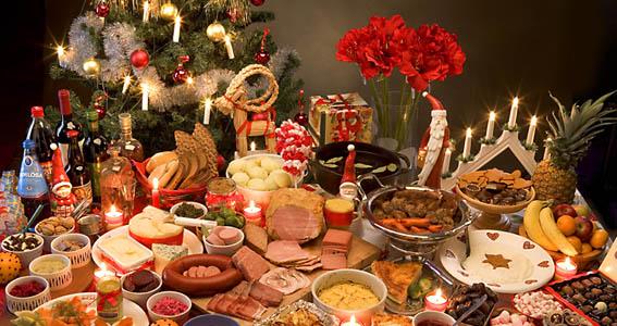 Underhållning till julbordet eller julfesten. Boka trubadur!