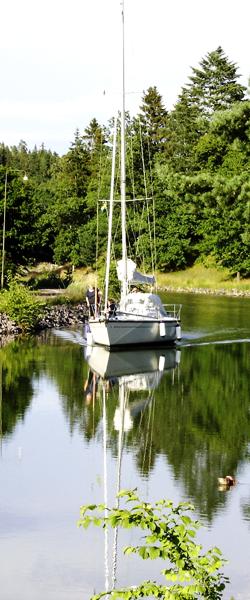 Sveriges Urmakareförbund ligger beläget i orten Borensberg längs Göta Kanal intill Motala.