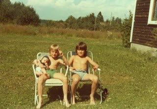Jag tillsammans med mina två bröder 1979