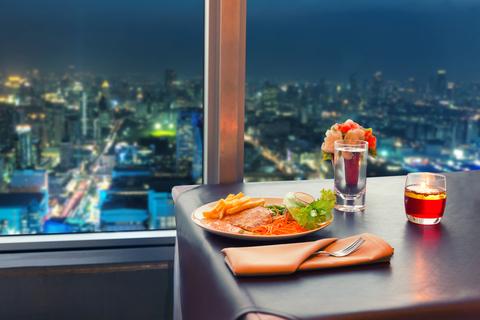 Restaurang med utsikt i Bangkok