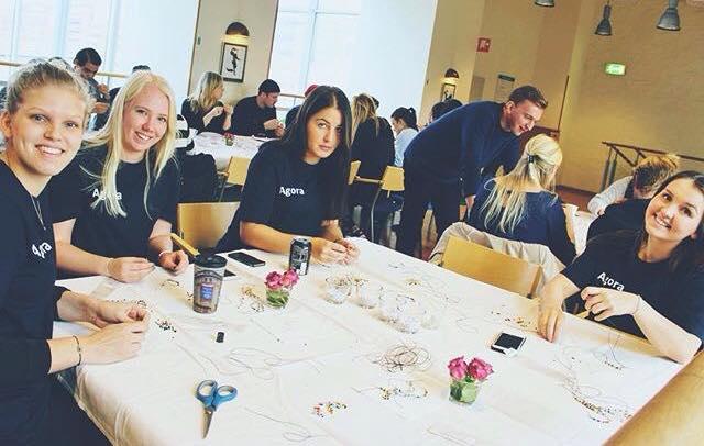 Under Oktober hade vi ett fantastiskt samarbete med Agora, i Lunds Universitet! De pärlande våra armband, vi är jätte tacksamma och glada över att det finns så fina människor som är med ossikampen