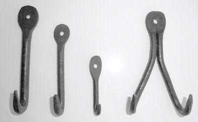 Väggkrokar i järn/Wall Hooks in Iron - 7 cm Rundjärnskrok/Round iron hook
