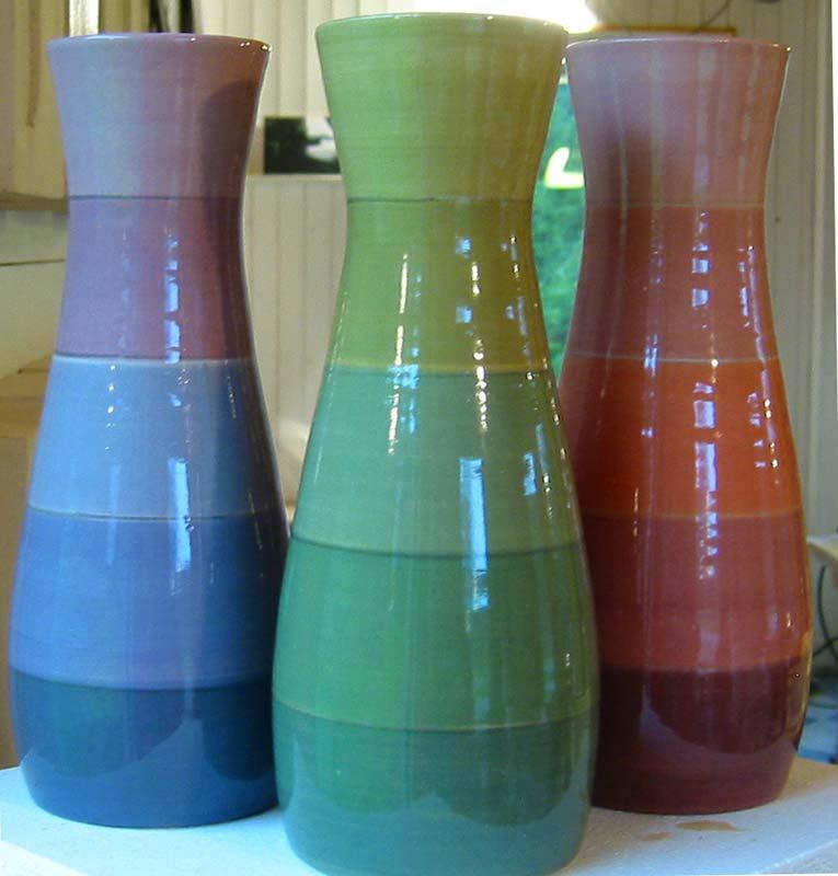 deco-basic 22 - vas. Vasen ställs för bästa resultat på drejskivan, låt pensel och drejskivan göra jobbet.