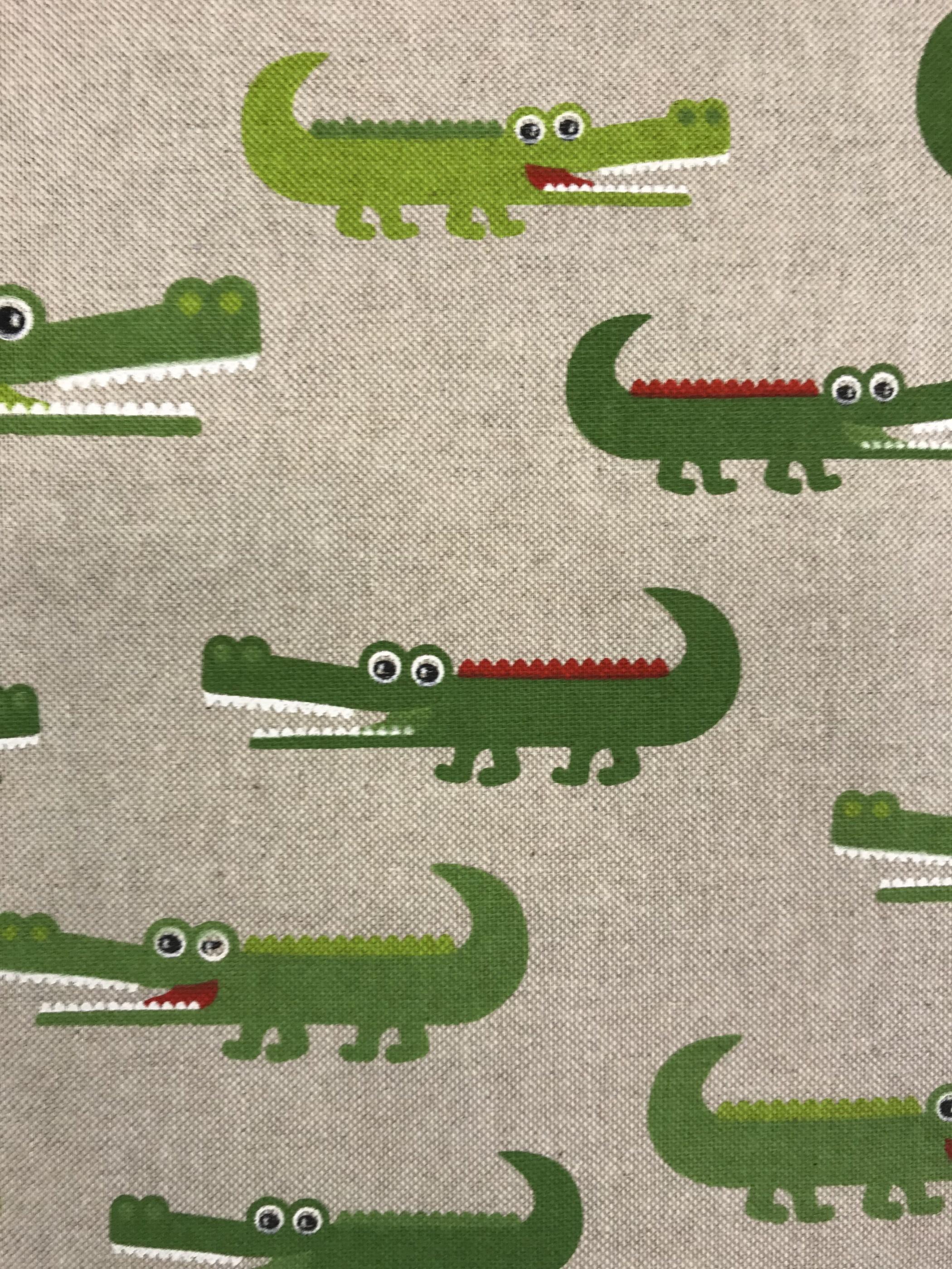 krokodil vävt tyg metervara grön bomull