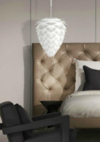 conia-taklampa-vita-stilren-snygg-designad-lampa