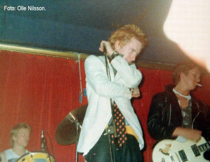Sex Pistols på 42:an i Jönköping. Paul Cook, Johnny Rotten och Steve Jones. Foto: Olle Nilsson.