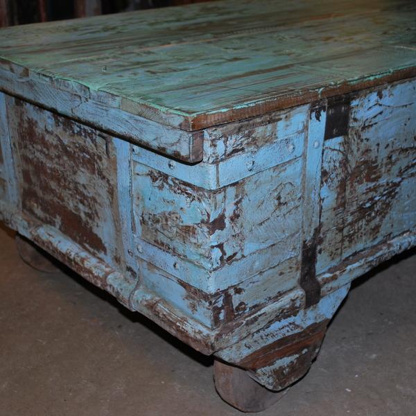 Kistbord på hjul bak
