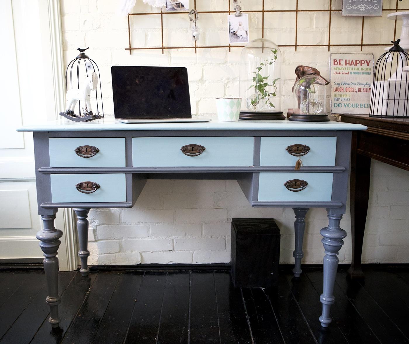 Skrivbord 1800-tal mineralfärg hemmahosanna