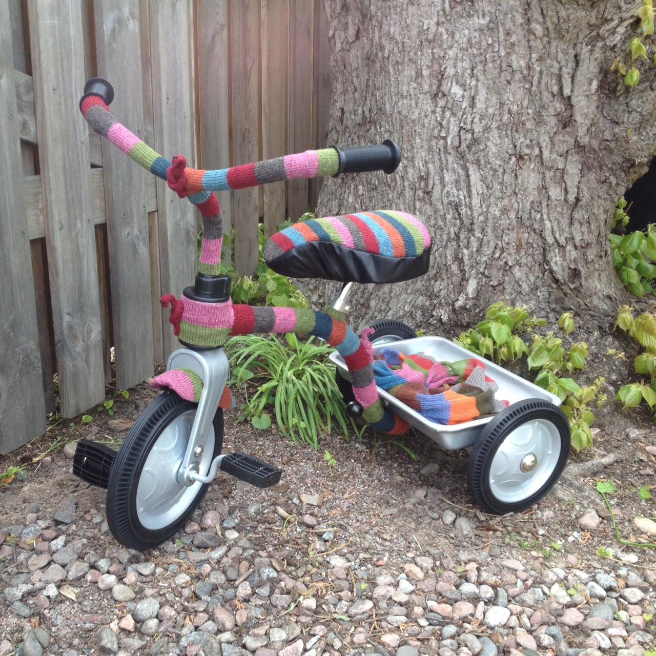 instickad barncykel
