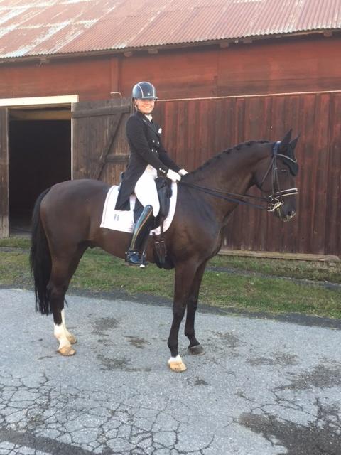 Nöjd ryttare och nöjd häst efter ritten