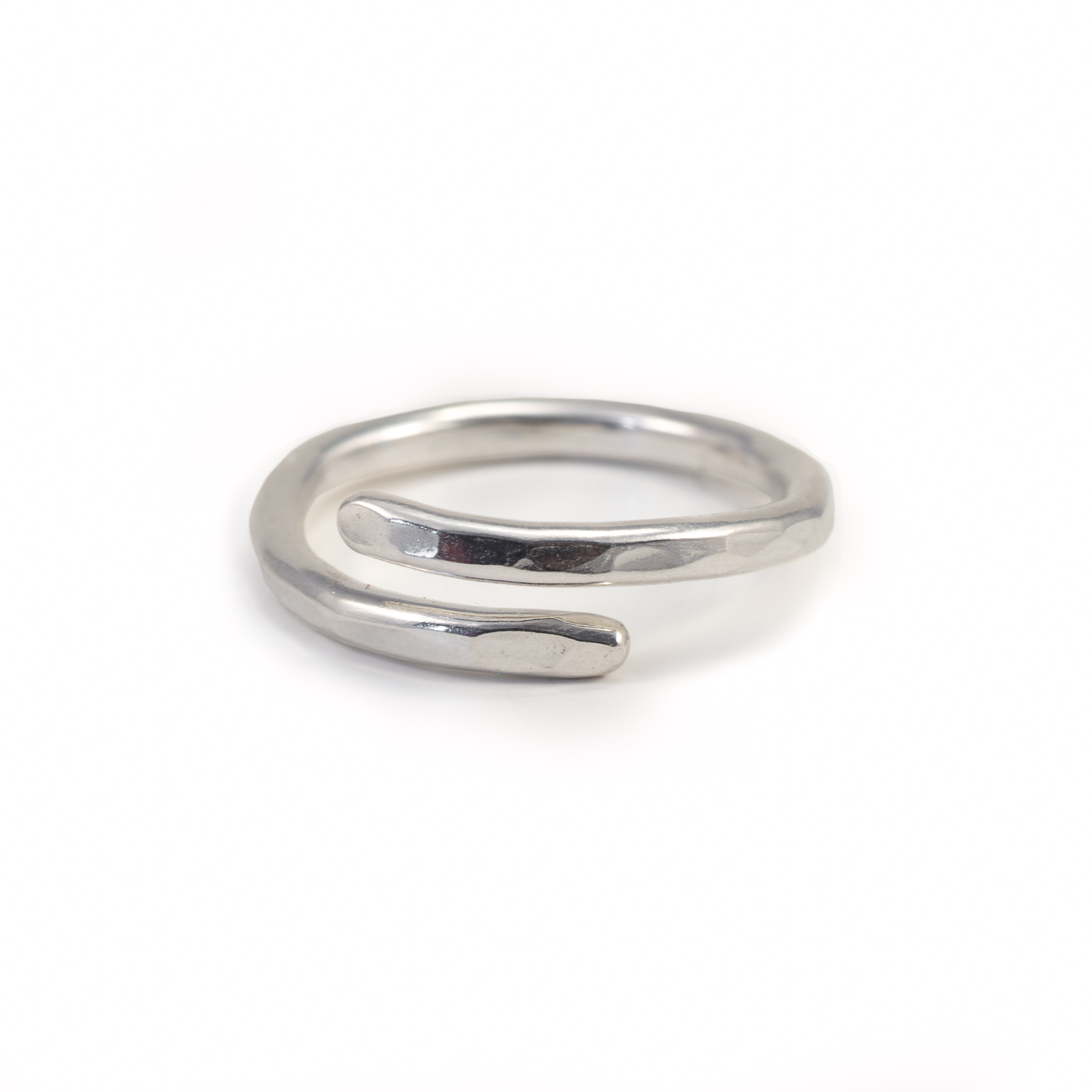 MNOP. Öppen ring 2mm. Återvunnet silver/ekosilver.