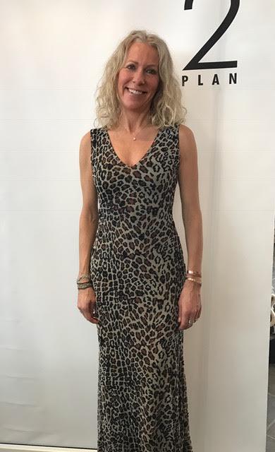 Anais&Joyce Leopardmönstrad klänning med paljetter