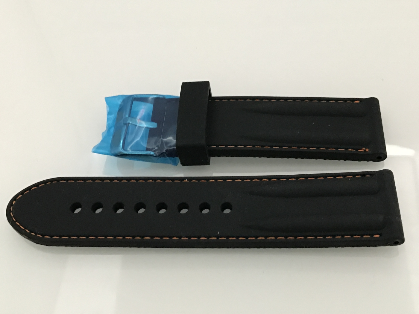 Gummi 24 mm svart bulor