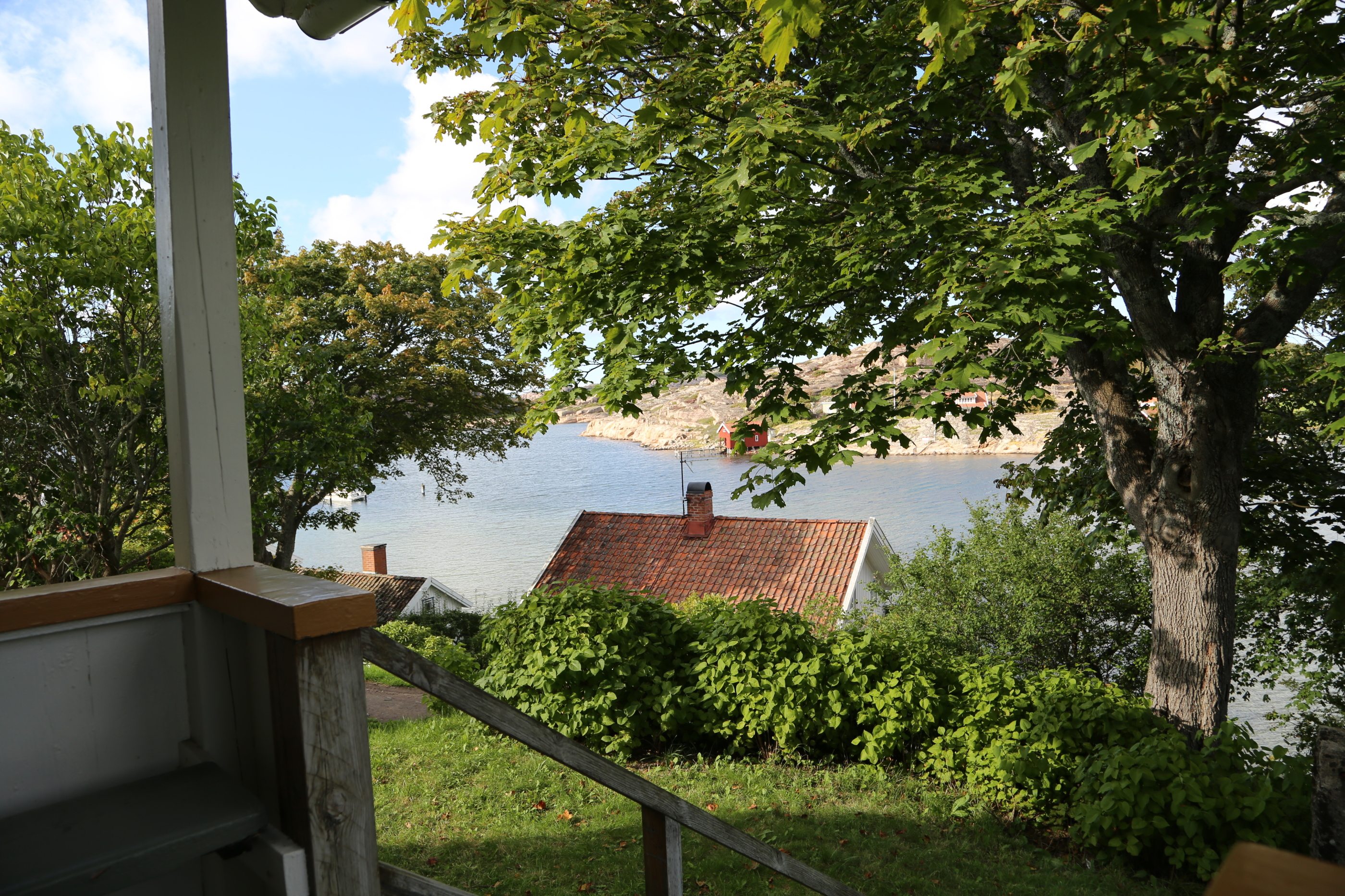 Utsikt från trappan till Everts Hus.