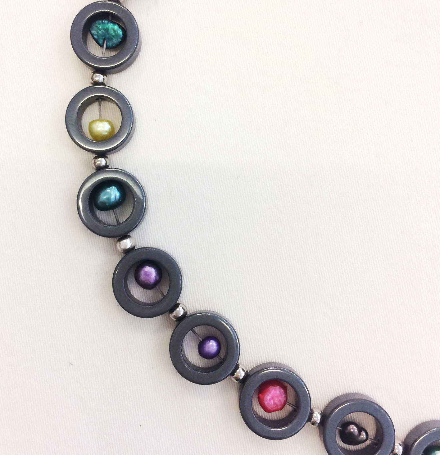 TL Halsband hematit pärlor2