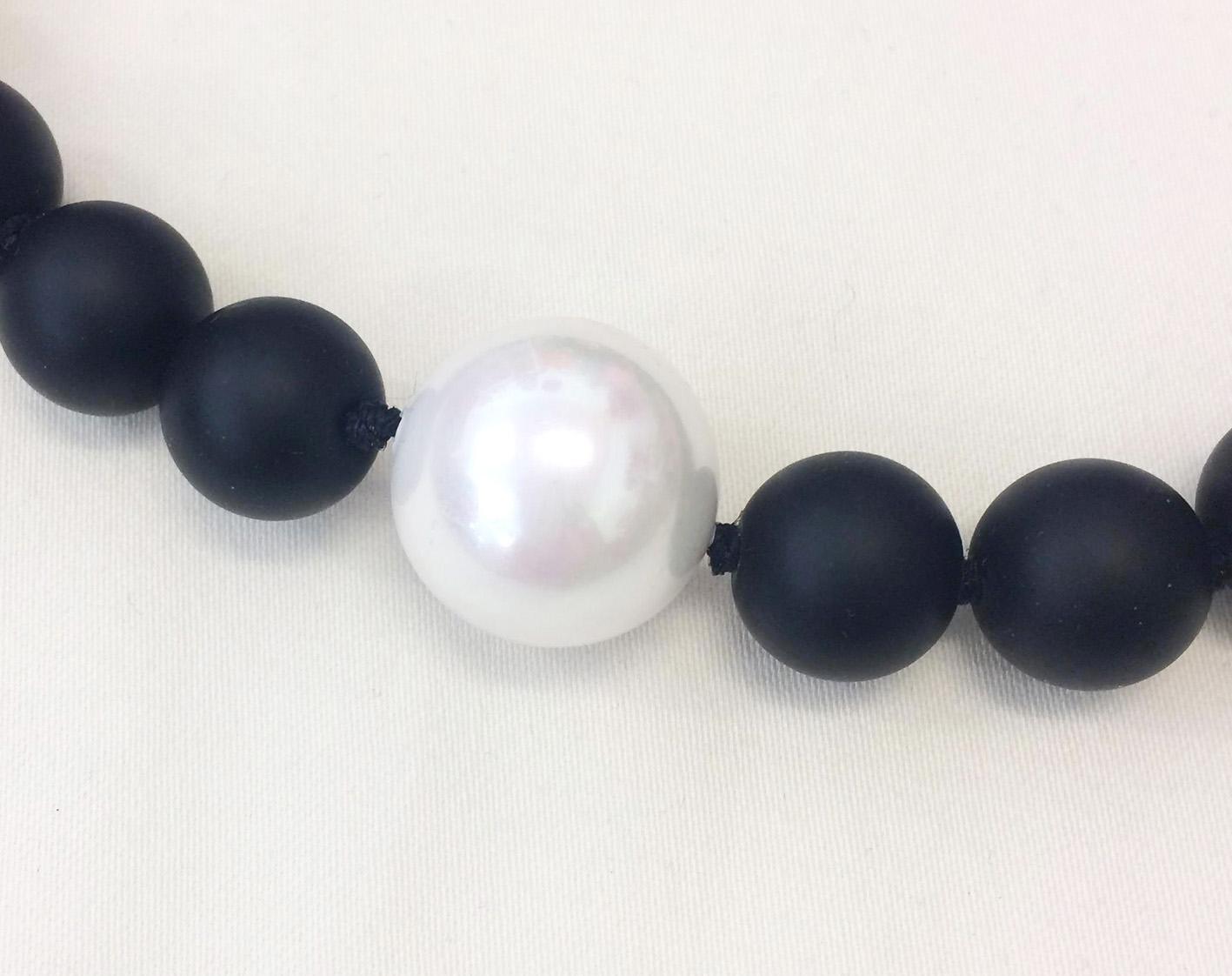 TL Halsband onyx med pärlemorkula2