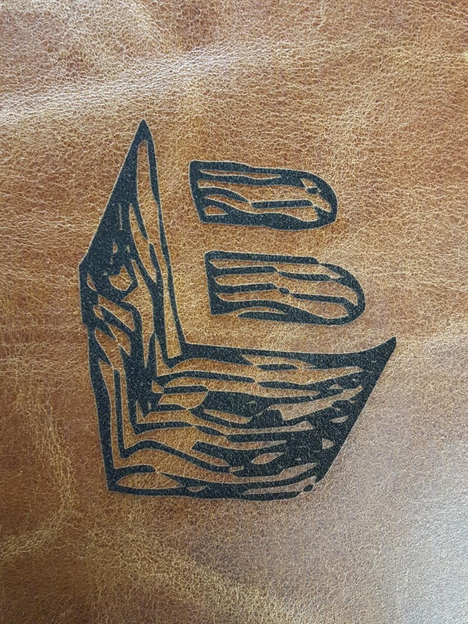 Boltisbbq egen logotyp B