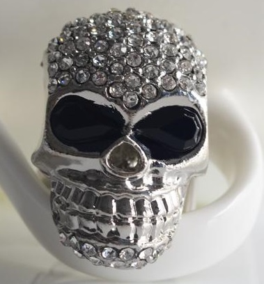 2014 European and American hot sale fashion punk diamond encrusted Skull Ring