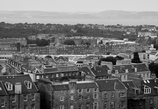 Vy över Edinburgh och Firth of Forth