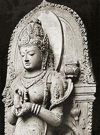 Man måste inte ha orange kläder eller rakat huvud för att vara buddhist och hjälpa sina medmänniskor.