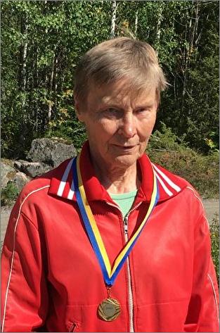 Dagny Gustafsson, Knutby PRO, Mästare i klassen D75 sprint och medel.