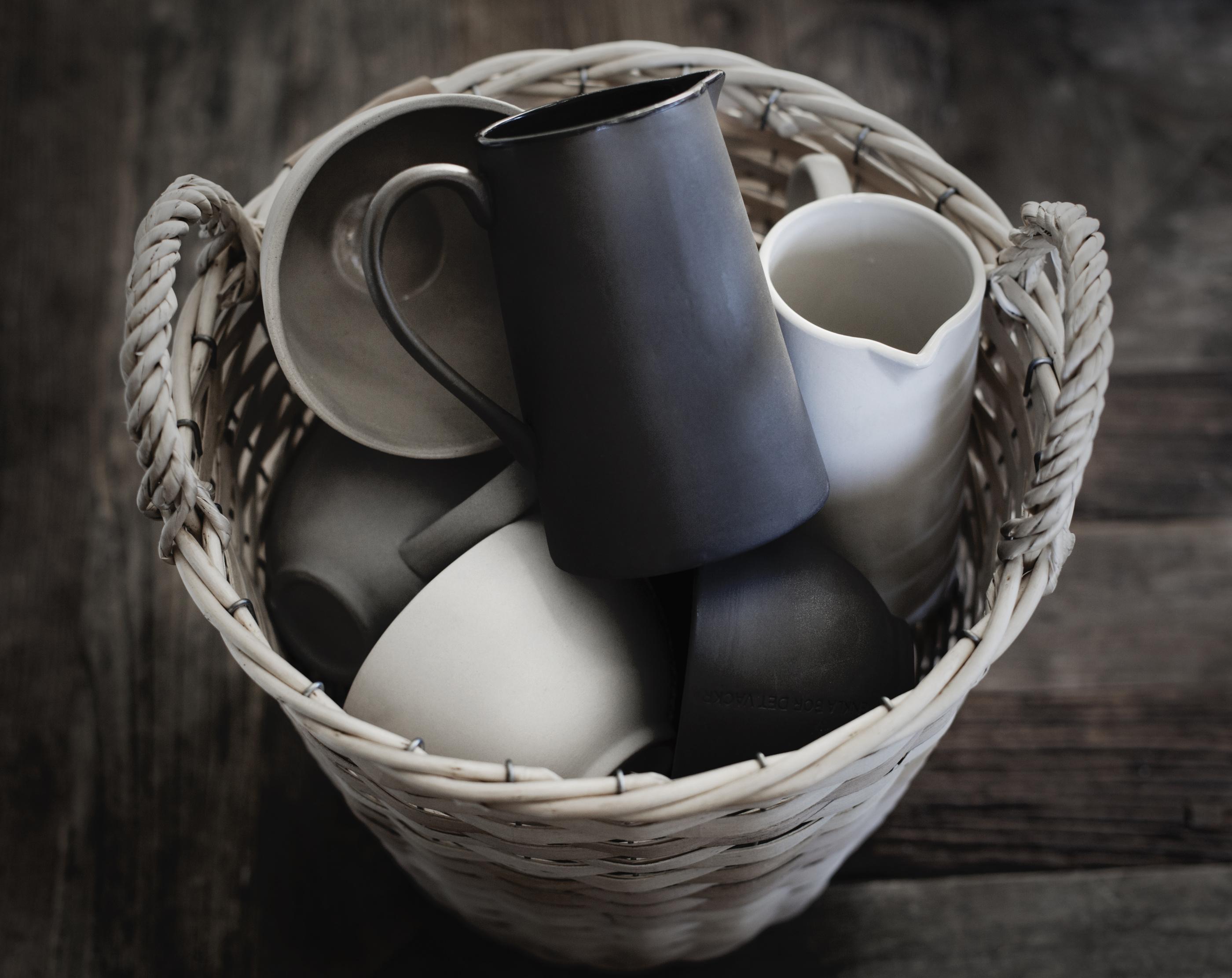 ..ERNST Mjölkkanna i stengods, Grå
