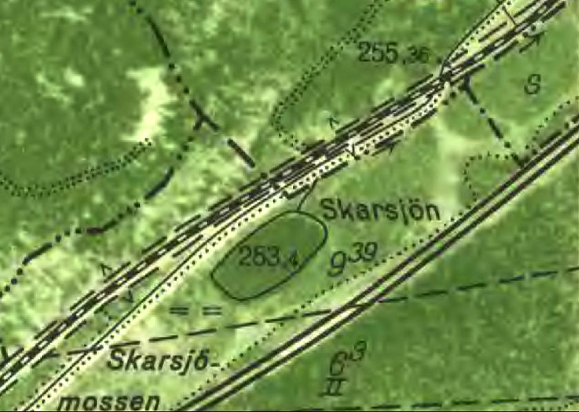 Karta 1960 med järnvägskorsningen för gamla vägen mellan Skara och Skövde just vid sifforna 255,36. Billingens hållplats låg nära denna plats tillsammans med vattenupptagn ingsmöjlighet för ångloken.